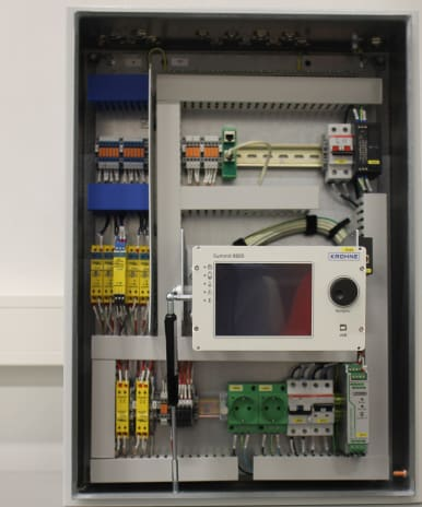 Modular flow control data transfer cabinets view inside
