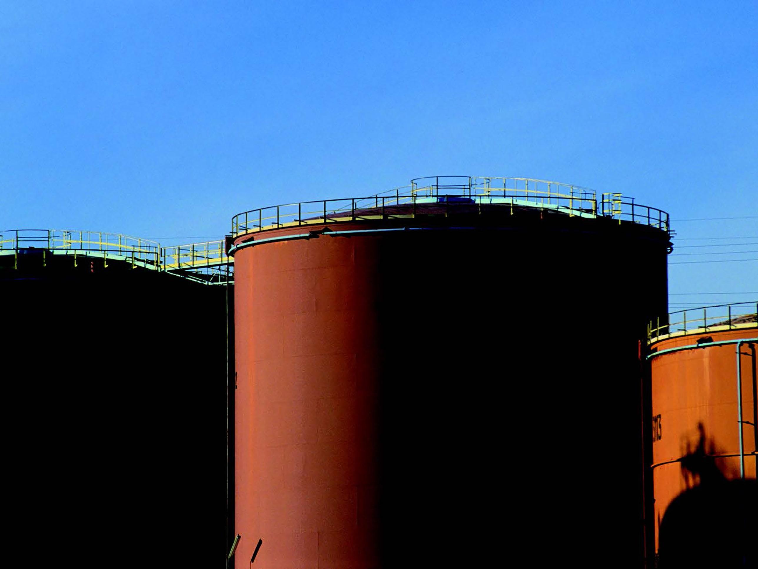 Masse-Durchflussmessung von Öl-Produkten beim Be- und Entladen von Tankwagen und Schiffen