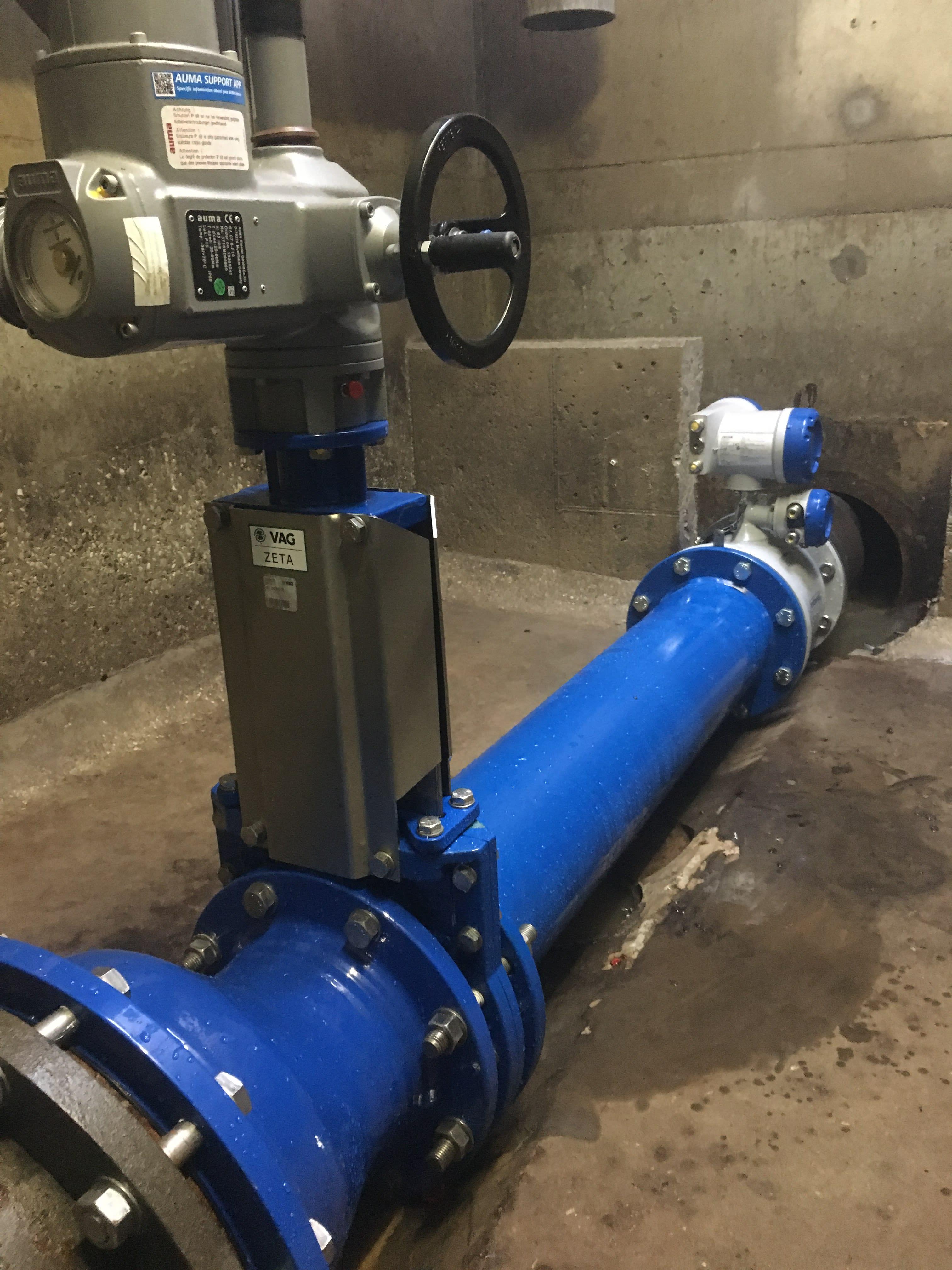 Measuring solution including flowmeter and slide valve